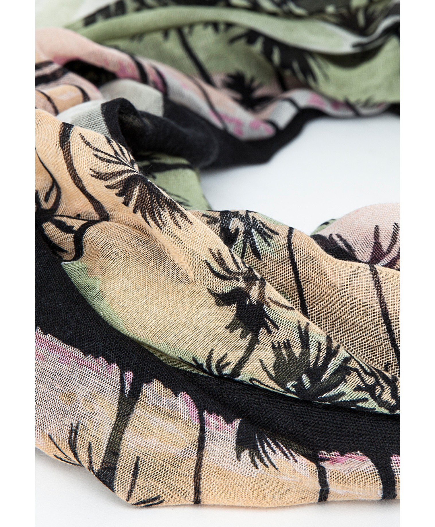 Ulca scarf in palm tree print 3